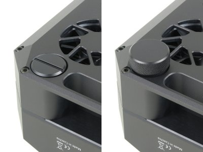 Silicagel container with slot (left) and variant for tool-less manipulation (right)